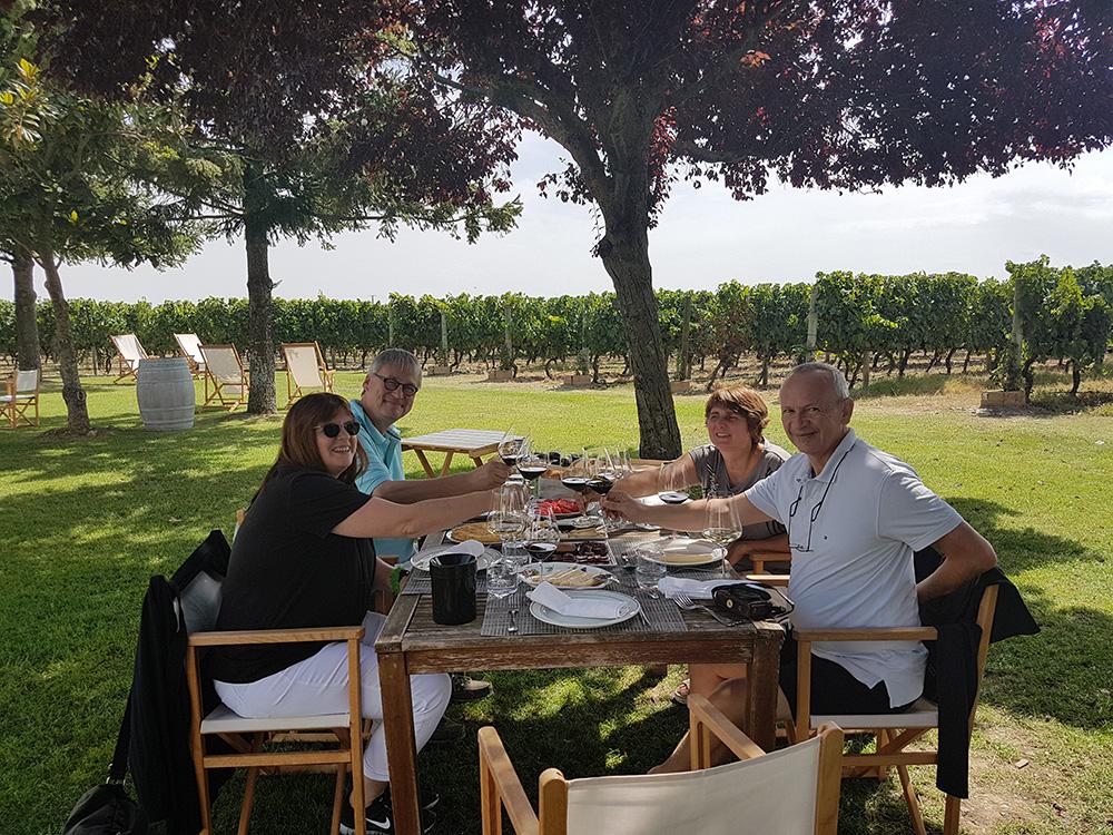 Tapas lunch by the vineyards in La Emperatriz